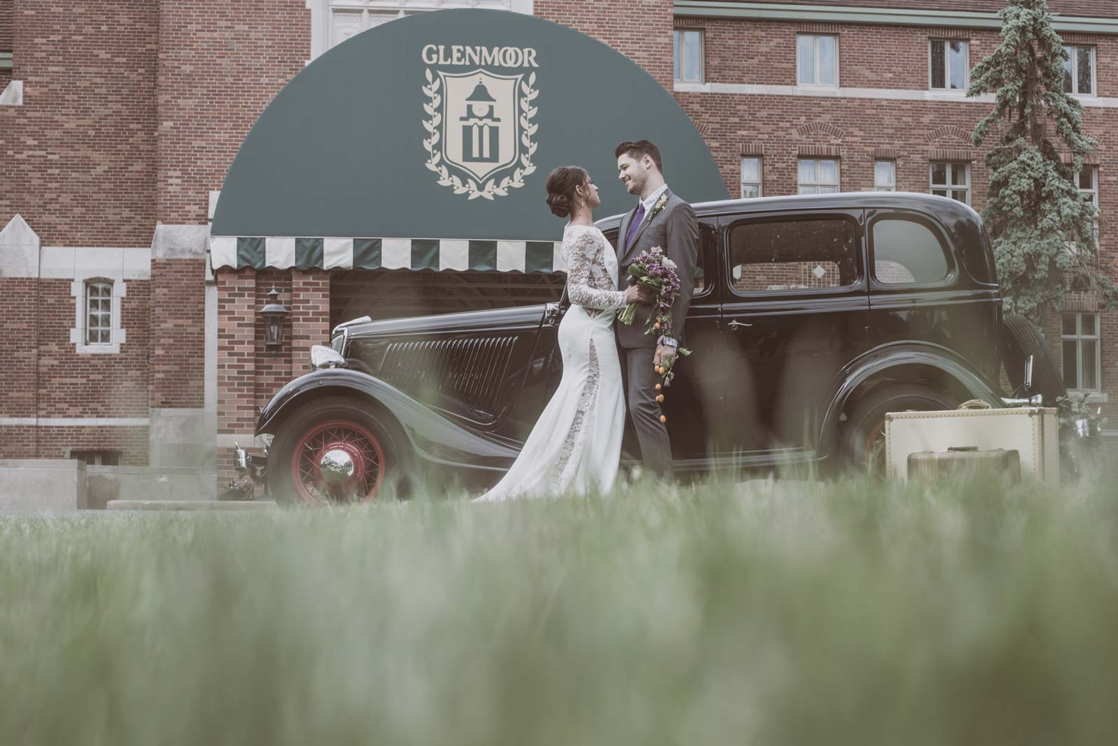 Bride and Groom Outside of Glenmoor Country Club