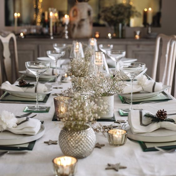 Holiday Magic: Party & Décor Planning-Elegant Holiday Tablescape