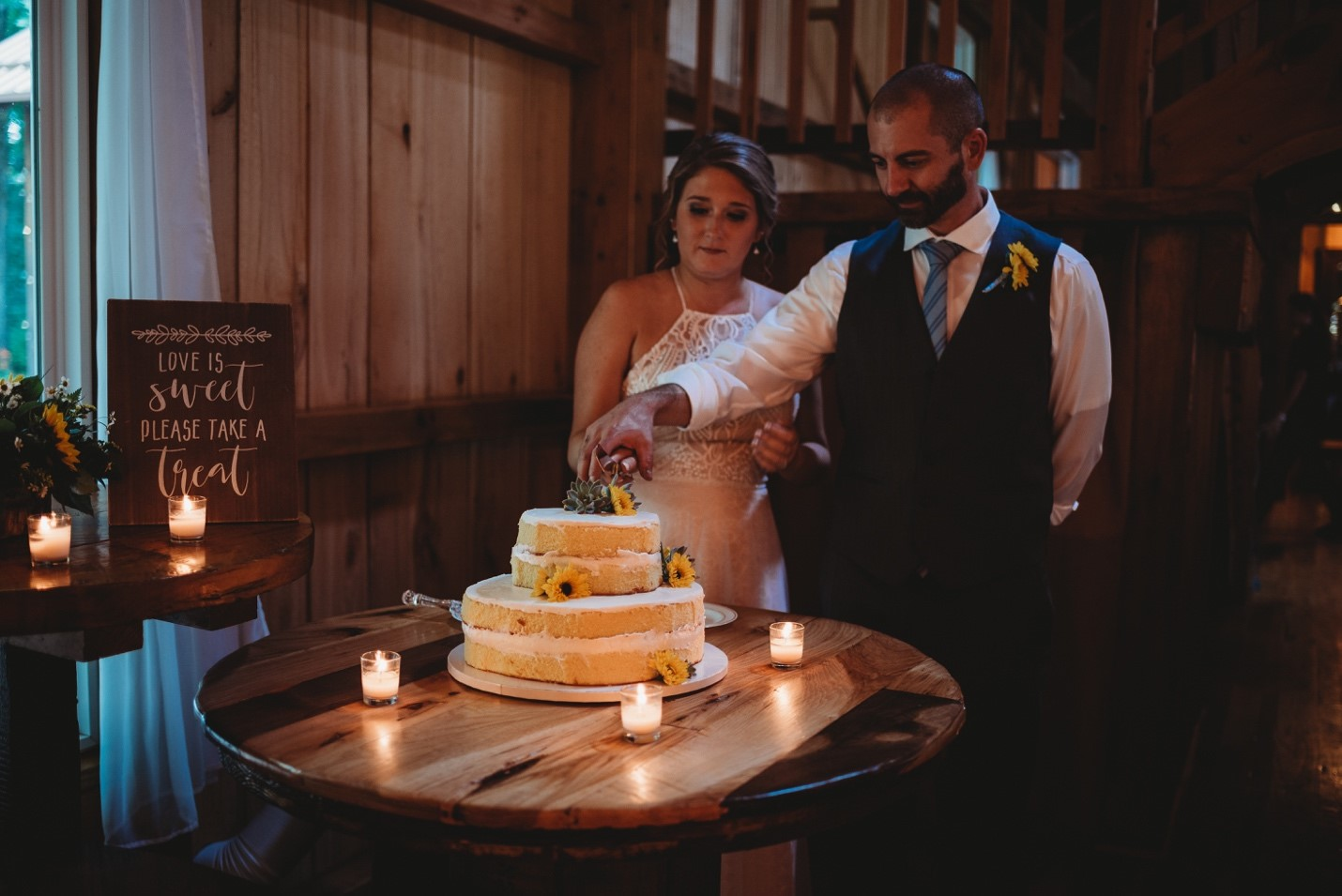 Cake Cutting | Photo by: Cassie Lee Photography