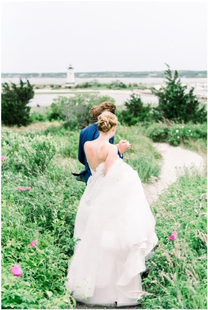 Elegant coastal micro wedding on Martha's Vineyard | Photo by Jessica K Feiden