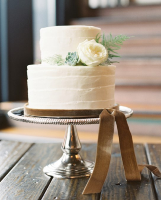 Simple Two Layer Wedding Cake | Photo by Landon Jacob Fine Art Wedding Photography